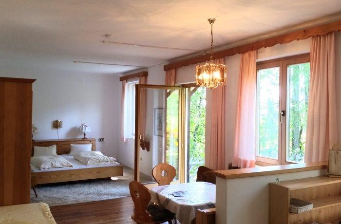 appartements mit seeblick auf den presseggersee bis 9 personen wohnk che. Black Bedroom Furniture Sets. Home Design Ideas